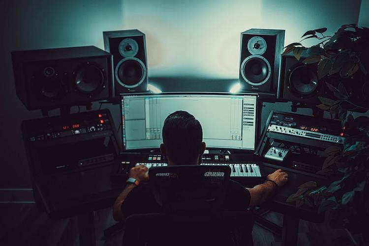Adaptacja akustyczna domowego studia nagrań